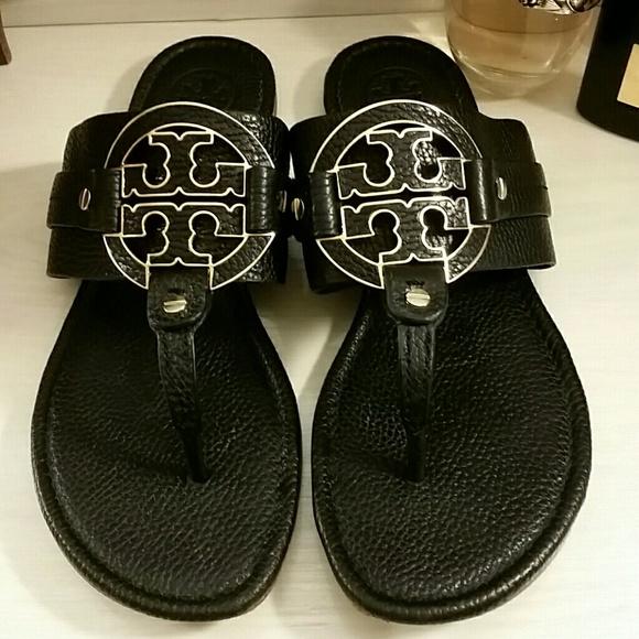 bf1d8054ba Tory Burch Amanda Sandals in Black Leather. M_5b46bfb7de6f625395405aeb